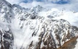 Россия: Семь туристов погибли в лавине на закрытом для катания склоне