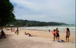 На пляжи Пхукета разрешили вернуть лежаки