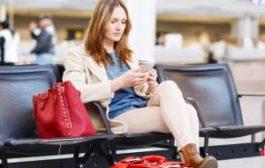 Сидеть и ждать: эксперты дали советы пассажирам при задержке рейса