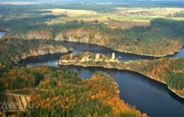 Чехия: замок Звиков