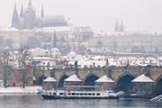 Зимние прогулки по реке в Праге