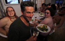 Cколько стоит поужинать в нудистском ресторане и чем там кормят?