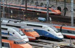 Во Франции не взлетают самолеты и не едут поезда