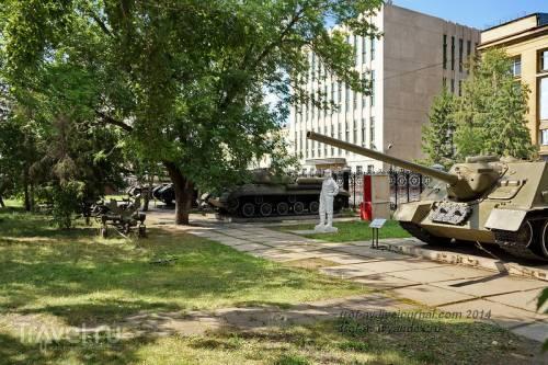 Музей воинской славы омичей, экспозиция военной техники