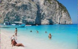 Греция, Кипр и Мальта вошли топ стран с самой чистой водой на пляжах