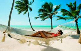 Иностранцы посещают Пунта-Кану, Пхукет и Бали исключительно отдыха для