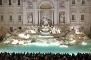 Туристы подрались за место для селфи перед фонтаном Треви в Риме