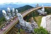 Мост, поддерживаемый руками, стал новой достопримечательностью Вьетнама