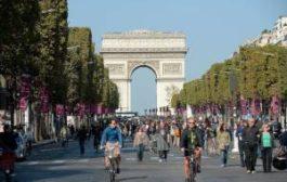 Увидеть Париж без машин и не умереть от смога