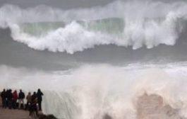 Испания во власти стихии: проливные дожди и 10-метровые волны